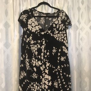 Black & white Taboo short sleeve poly dress. SZ XL